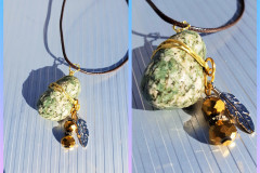Stone 1 With pearls and feather