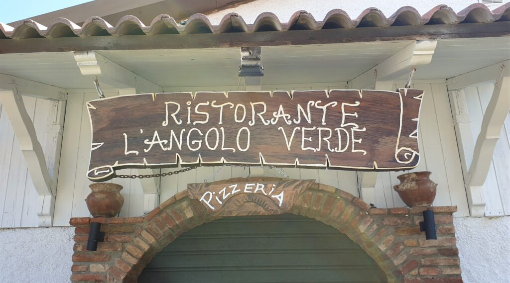 Angolo Verde sign. Italy. www.evaogmalthe.dk