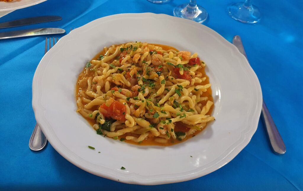 Pasta with fresh cherry tomatoes. Angolo Verde. Italy. www.evaogmalthe.dk